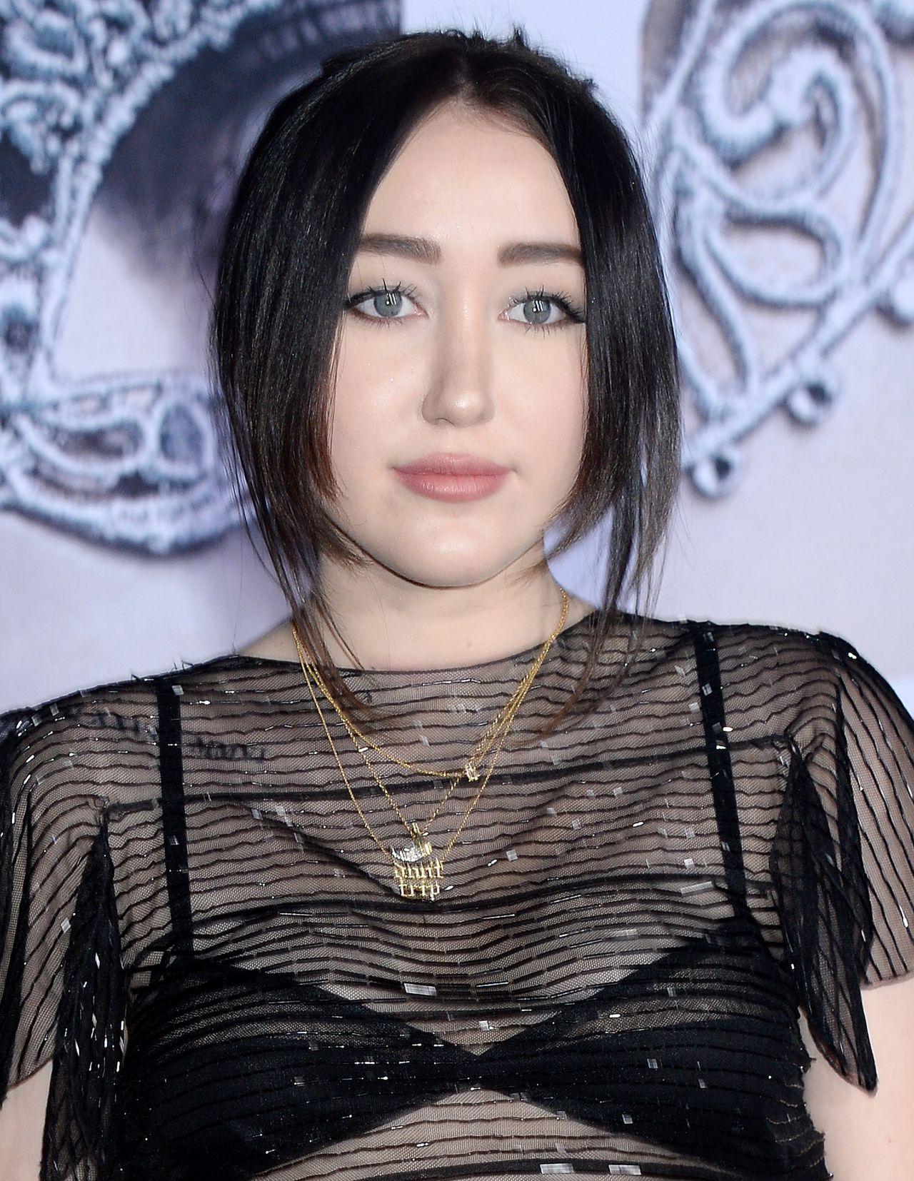 Noah Cyrus – 'Fifty Shades Darker' Premiere in Los Angeles ...