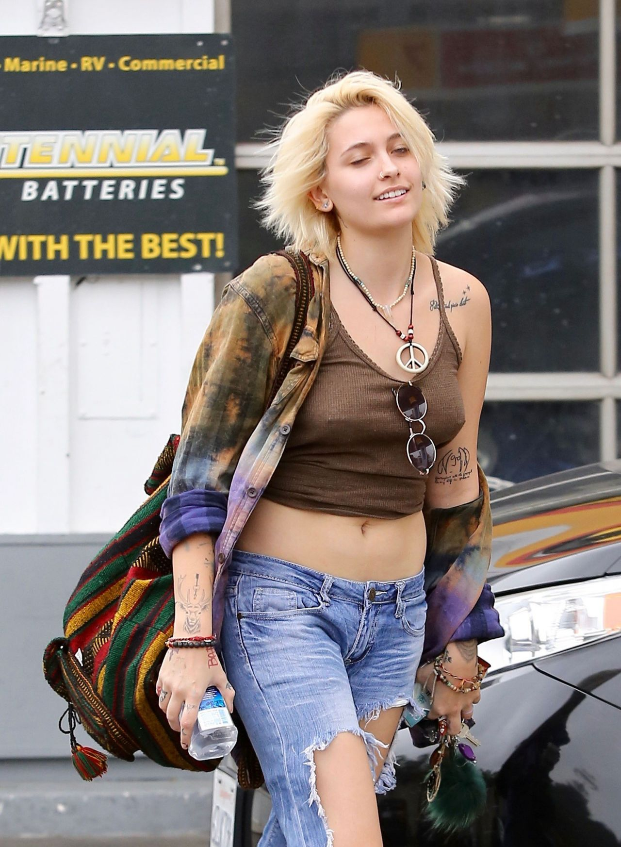 Best At Home Gel Nails Kit: Paris Jackson In Ripped Jeans And Skimpy Top