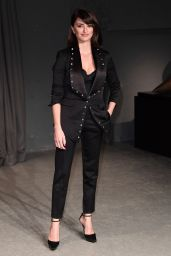 Penelope Cruz - Burberry Fashion Show Arrivals - London 2/20/ 2017