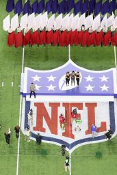 Phillipa Soo, Renee Elise Goldsberry, Jasmine Cephas Jones - Super Bowl LI - New England Patriots v Atlanta Falcons 2/5/ 2017