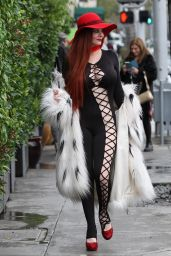 Phoebe Price - Shopping  in Beverly Hills 2/7/ 2017