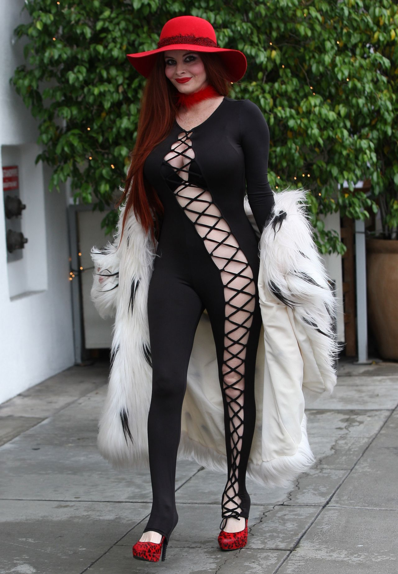 Phoebe Price Shopping In Beverly Hills 2 7 2017