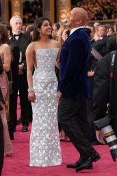 Priyanka Chopra – Oscars 2017 Red Carpet in Hollywood