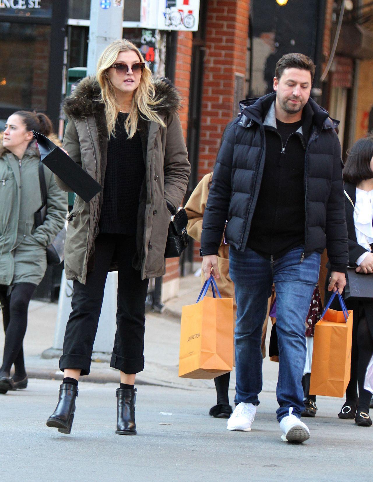 Rachel hilbert out shopping in new york - 2019 year