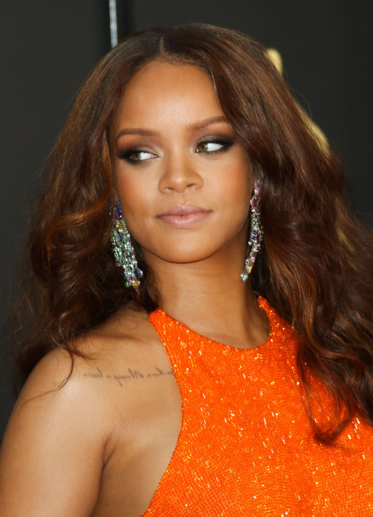 Rihanna on Red Carpet – GRAMMY Awards in Los Angeles 2/12 ... Rihanna