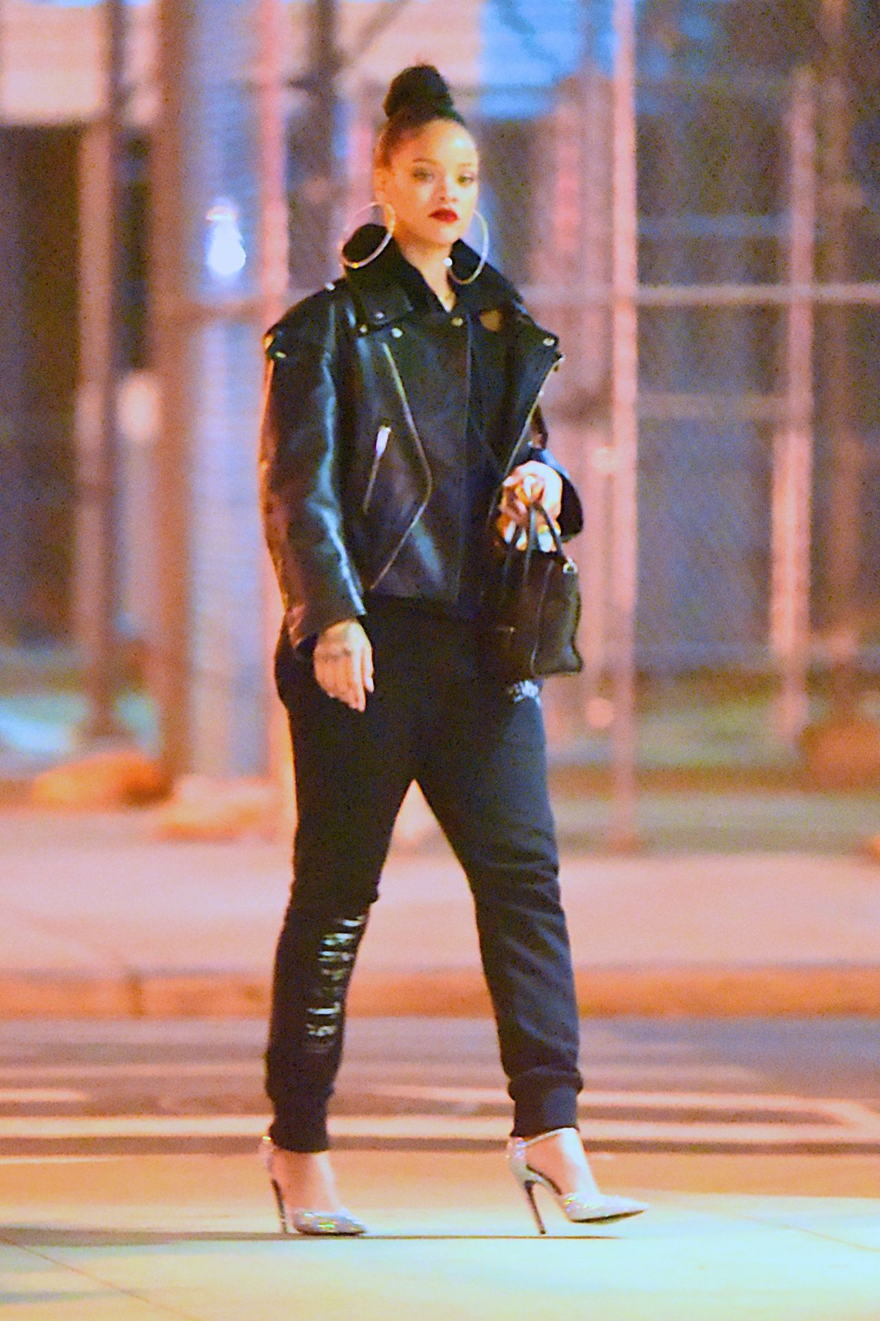 Rihanna Out In New York 2 2 2017