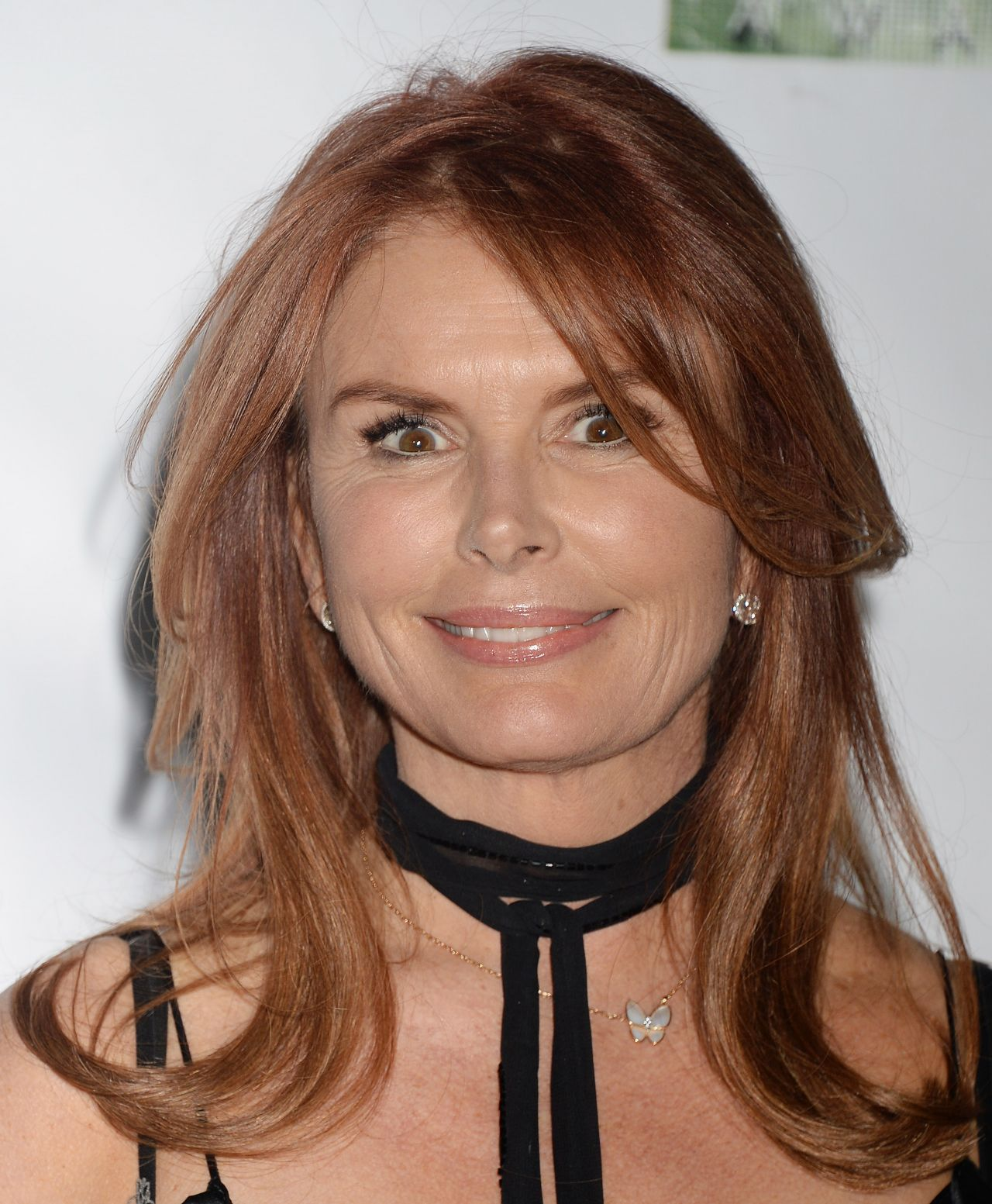 Roma Downey Oscar Wilde Awards In Santa Monica 2 23 2017