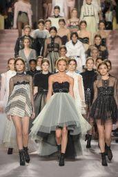 Romee Strijd Walks Philosophy di Lorenzo Serafini Show – Milan Fashion Week 2/25/ 2017