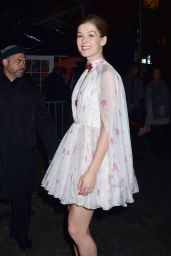 Rosamund Pike - Arrives for the Premiere of