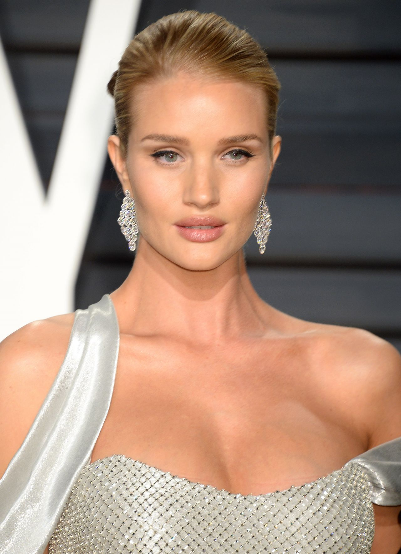 Rosie Huntington-Whiteley – Vanity Fair Oscar 2017 Party ... Rosie Huntington Whiteley