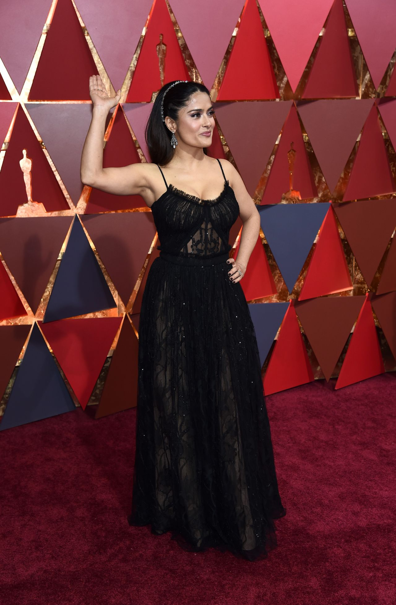 http://celebmafia.com/wp-content/uploads/2017/02/salma-hayek-oscars-2017-red-carpet-in-hollywood-13.jpg