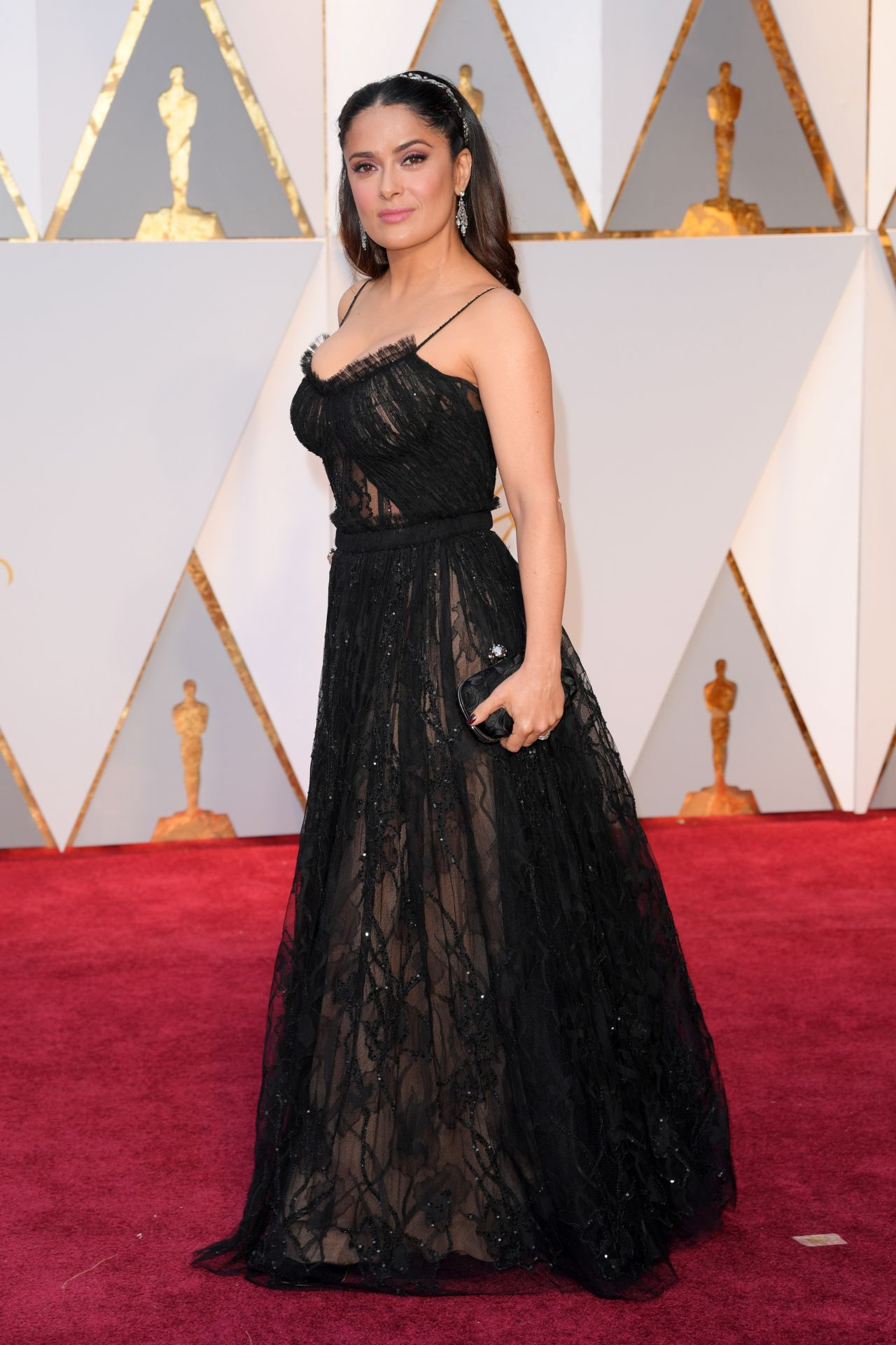 http://celebmafia.com/wp-content/uploads/2017/02/salma-hayek-oscars-2017-red-carpet-in-hollywood-6.jpg