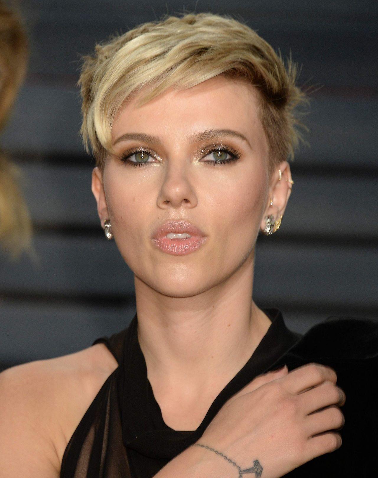 Scarlett Johansson at Vanity Fair Oscar 2017 Party in Los ...
