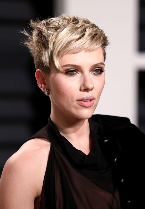 Scarlett Johansson at Vanity Fair Oscar 2017 Party in Los Angeles