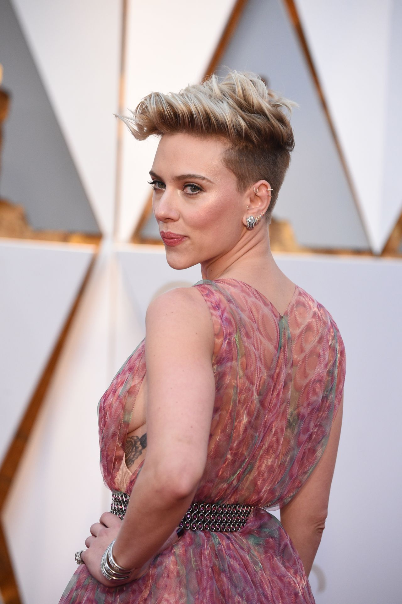 Scarlett Johansson Oscars 2017 Red Carpet In Hollywood