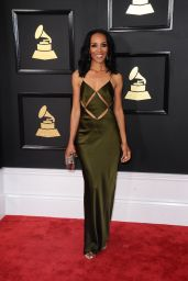 Shaun Robinson on Red Carpet – GRAMMY Awards in Los Angeles 2/12/ 2017