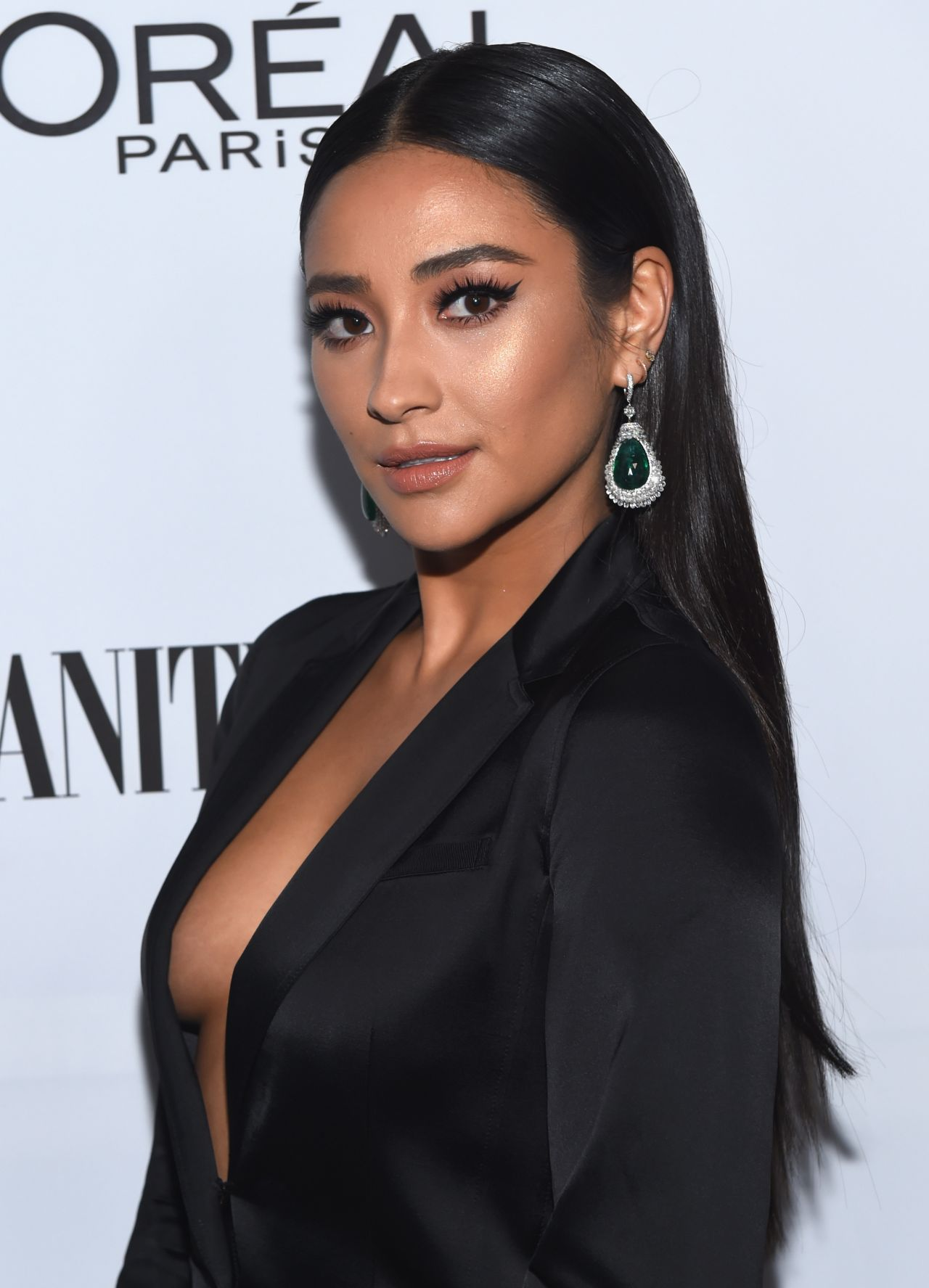 Shay Mitchell  Vanity Fair And Loreal Paris Toast To -4843