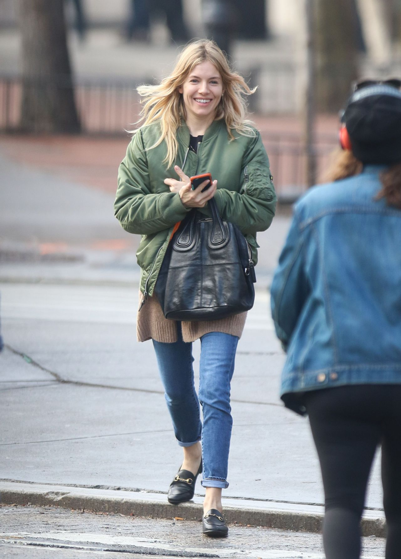 Sienna Miller Street Style - Steps Out in the East Village ... Jennifer Lawrence Mother