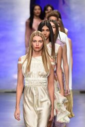 Stella Maxwell – Topshop Unique Show at London Fashion Week 02/19/ 2017