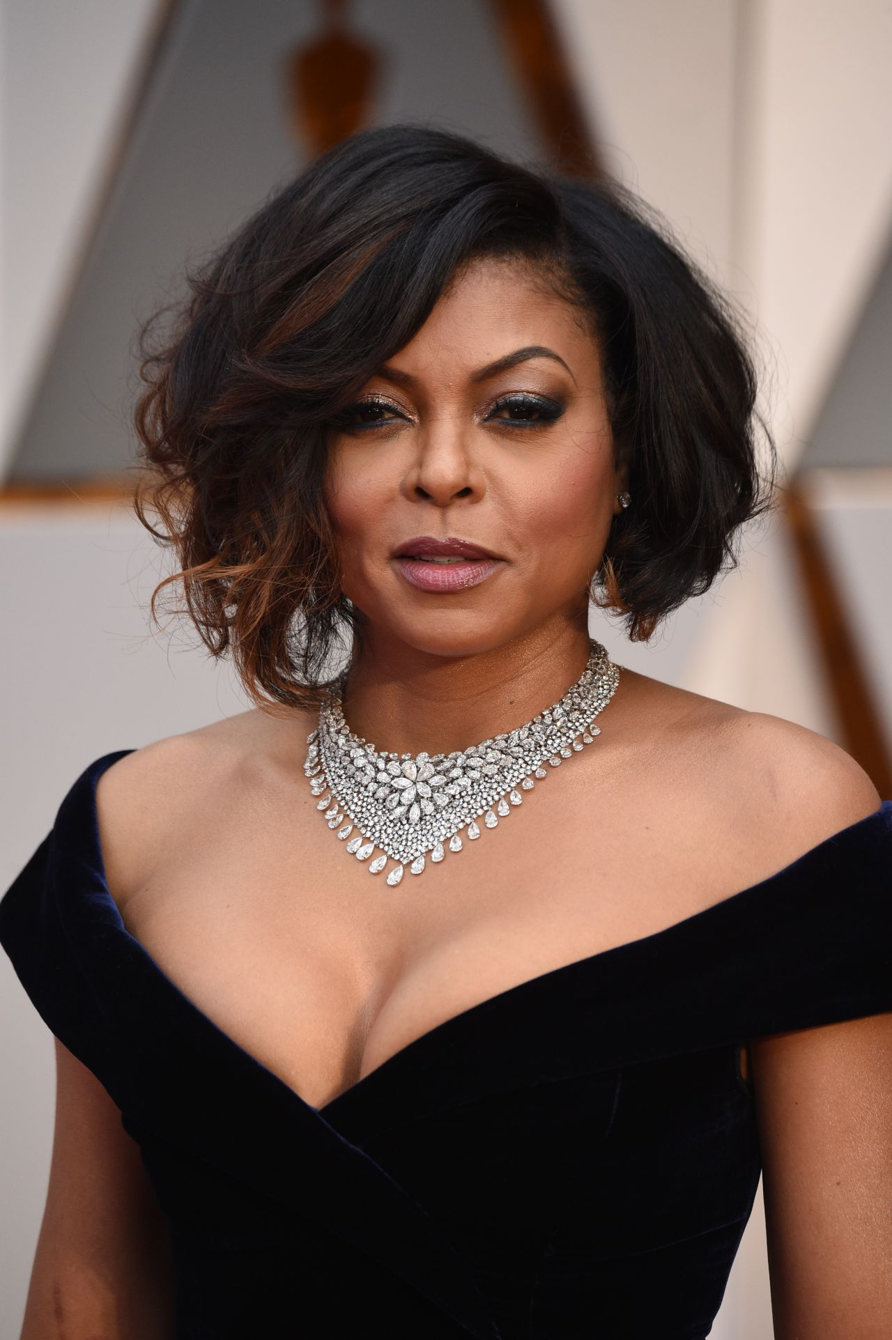 Anova Table Excel 2013 likewise 124140 further Taraji P Henson Oscars 2017 Red Carpet Hollywood 705117 as well Pofoko Oscar Series 15 4 Inch Inner Package Case Pouch Bag Sleeve For Laptop Notebook Black in addition 209. on oscar hair and nail salon