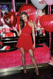 Taylor Hill - Share Her Gift Picks For Valentine