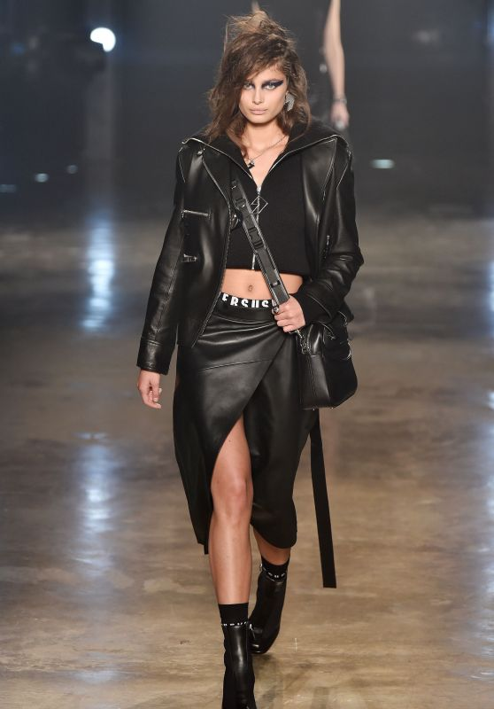 Taylor Hill – Versus Versace Show at London Fashion Week 2/18/ 2017