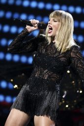 Taylor Swift – 2017 DIRECTV NOW Super Saturday Night Concert in Houston 2/4/ 2017