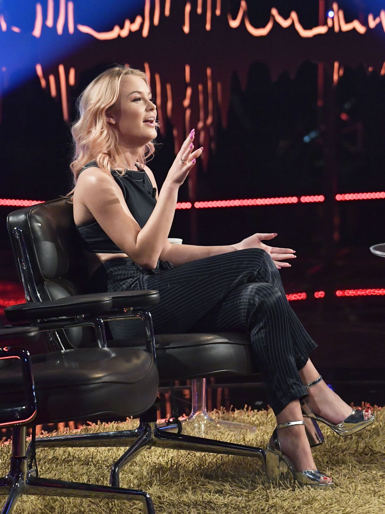 Zara Larsson Appeared On Skavlan Tv Show In Stockholm