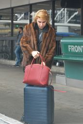 Zosia Mamet - Departing Los Angeles International Airport 2/7/ 2017