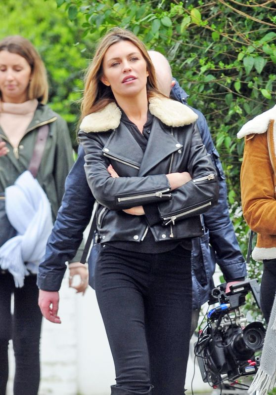 Abbey Clancy Urban Outfit - Filming in Nottinghill 3/14/ 2017