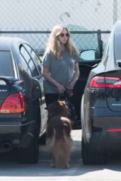Amanda Seyfried Visits Her Fiance on Set in Los Angeles 3/13/ 2017