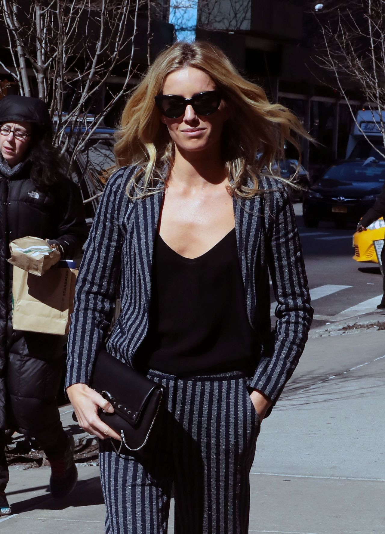 Annabelle Wallis Office Chic Outfit - Walking the Streets of New York 3/14/ 2017