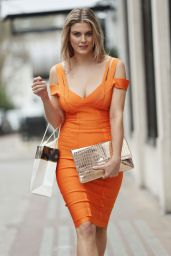 Ashley James Fashion - Leaving Harvey Nichols in London  3/20/ 2017