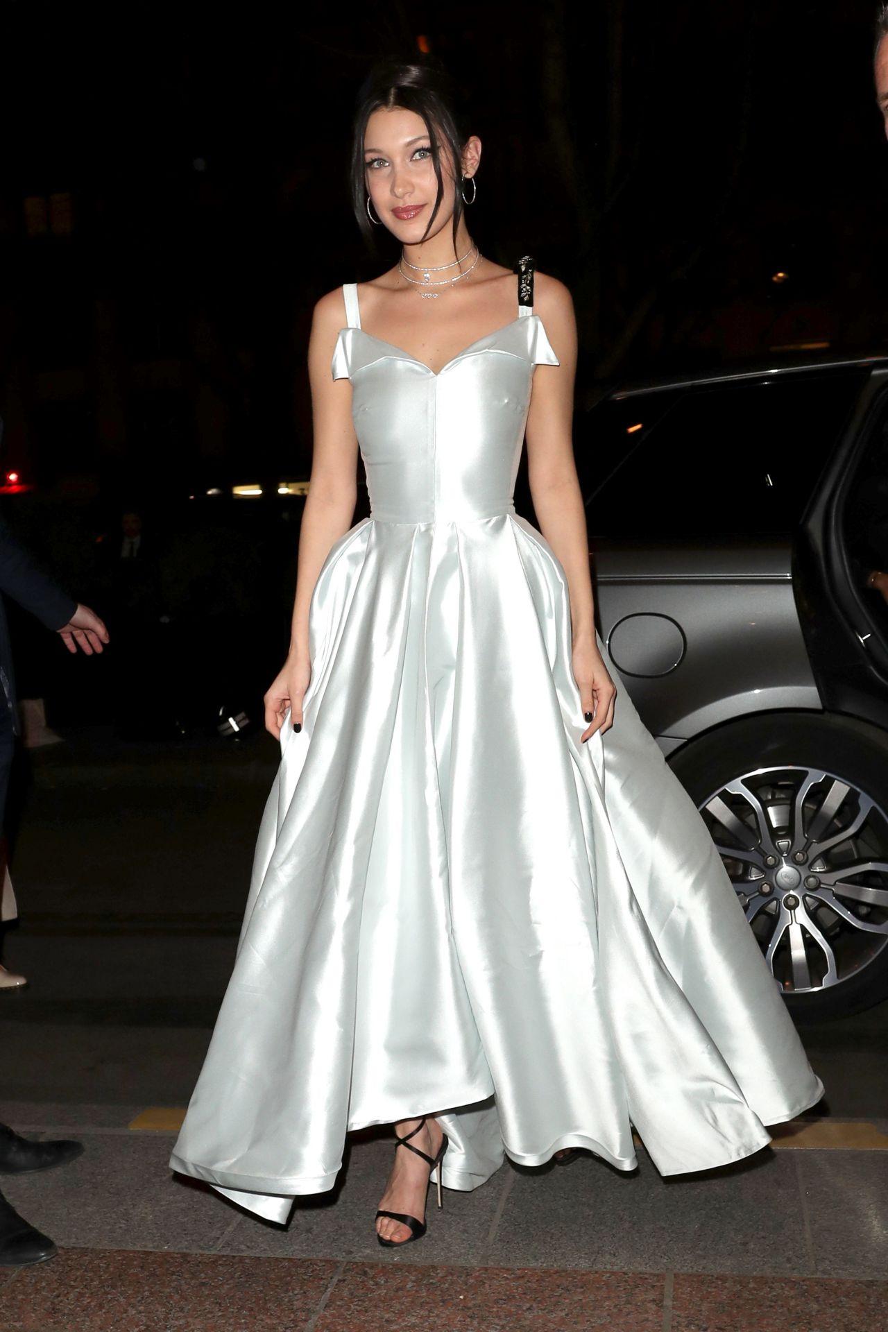 Bella Hadid At Paris Fashion Week Christian Dior Show 3
