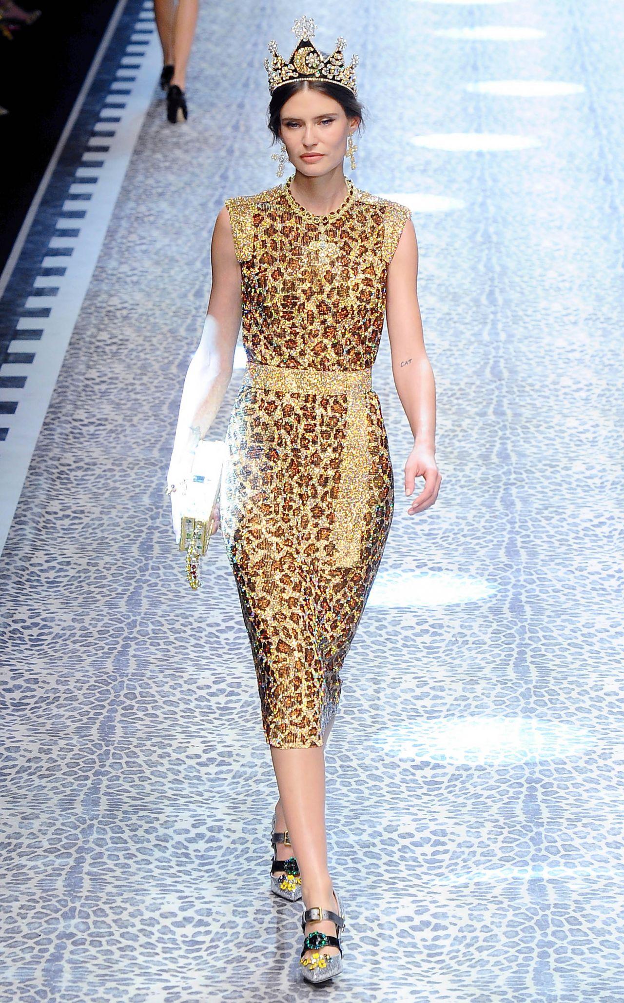 Bianca Balti – Dolce Gabbana Show Runway on Milan fashion Week, February 2017
