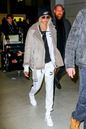 Cara Delevingne - Arriving at the Paris-Charles-de-Gaulle Airport 3/20/ 2017