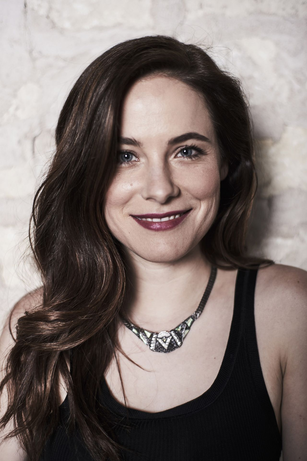 Caroline Dhavernas hair color