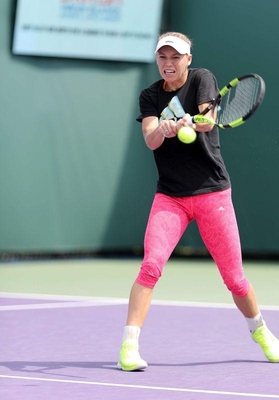 Caroline Wozniacki On The Practice Court - Miami Open in Key Biscayne 3/23/ 2017