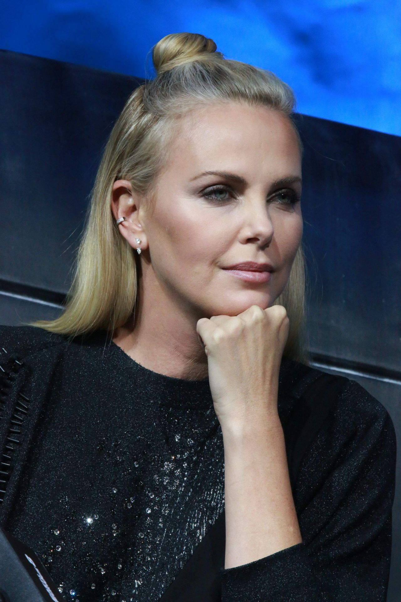 Charlize Theron - The Fate of the Furious Press Conference ... Charlize Theron