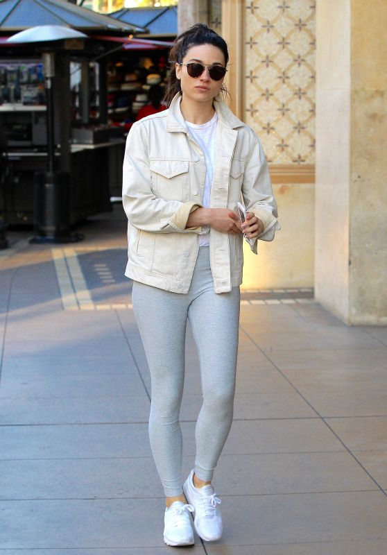 Crystal Reed Showing Off Her Fit Figure in a Pair of Grey Yoga Pants - Shopping in Beverly Hills 2/28/ 2017