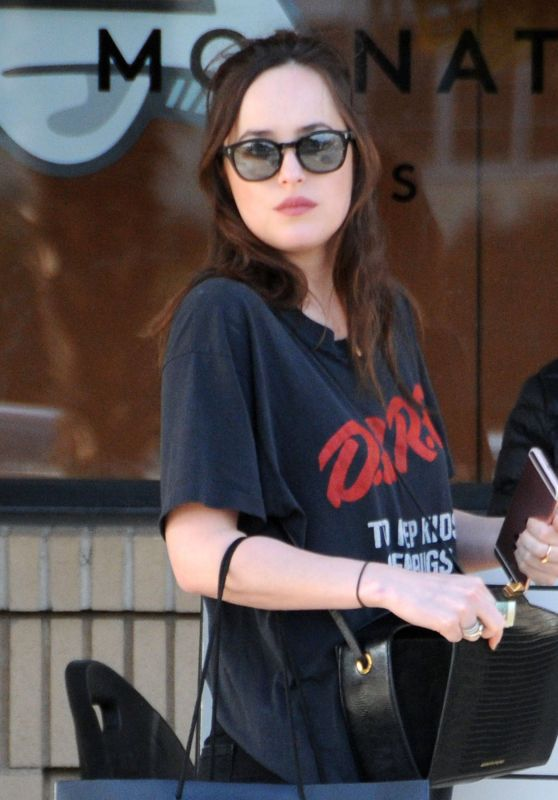 Dakota Johnson - Shopping at Barney