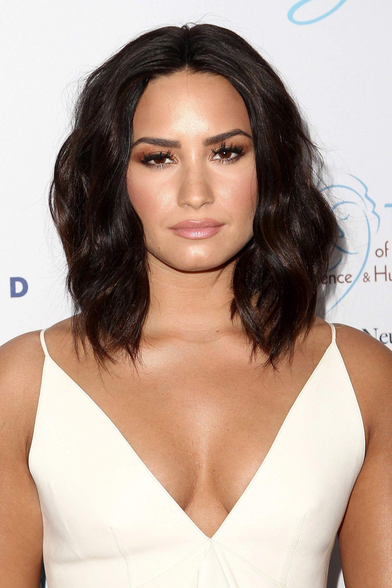 Demi Lovato - Open Min...