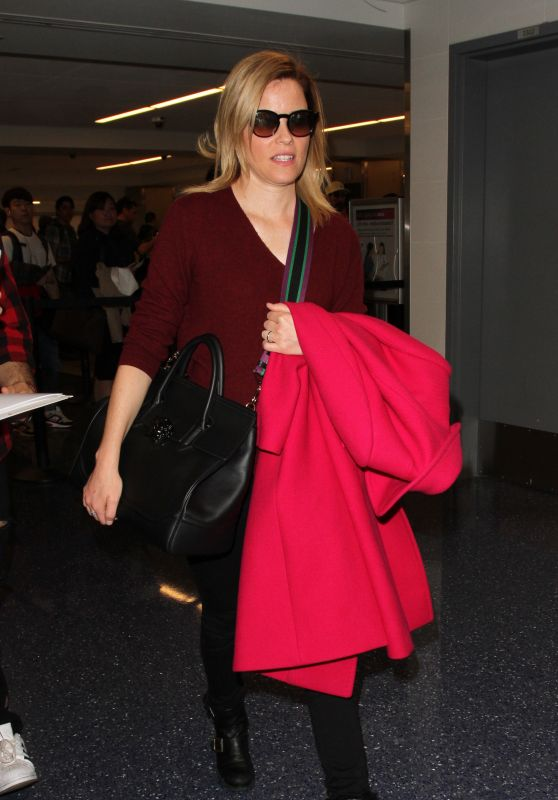 Elizabeth Banks at LAX Airport in Los Angeles 3/15/ 2017