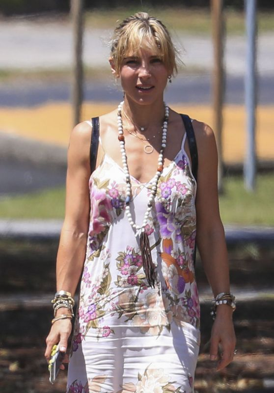 Elsa Pataky - Out in Byron Bay, Australia 3/4/ 2017