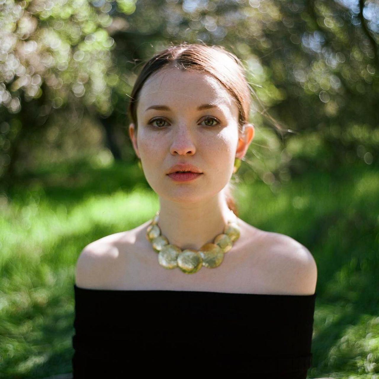 emily browning 2017 - photo #3
