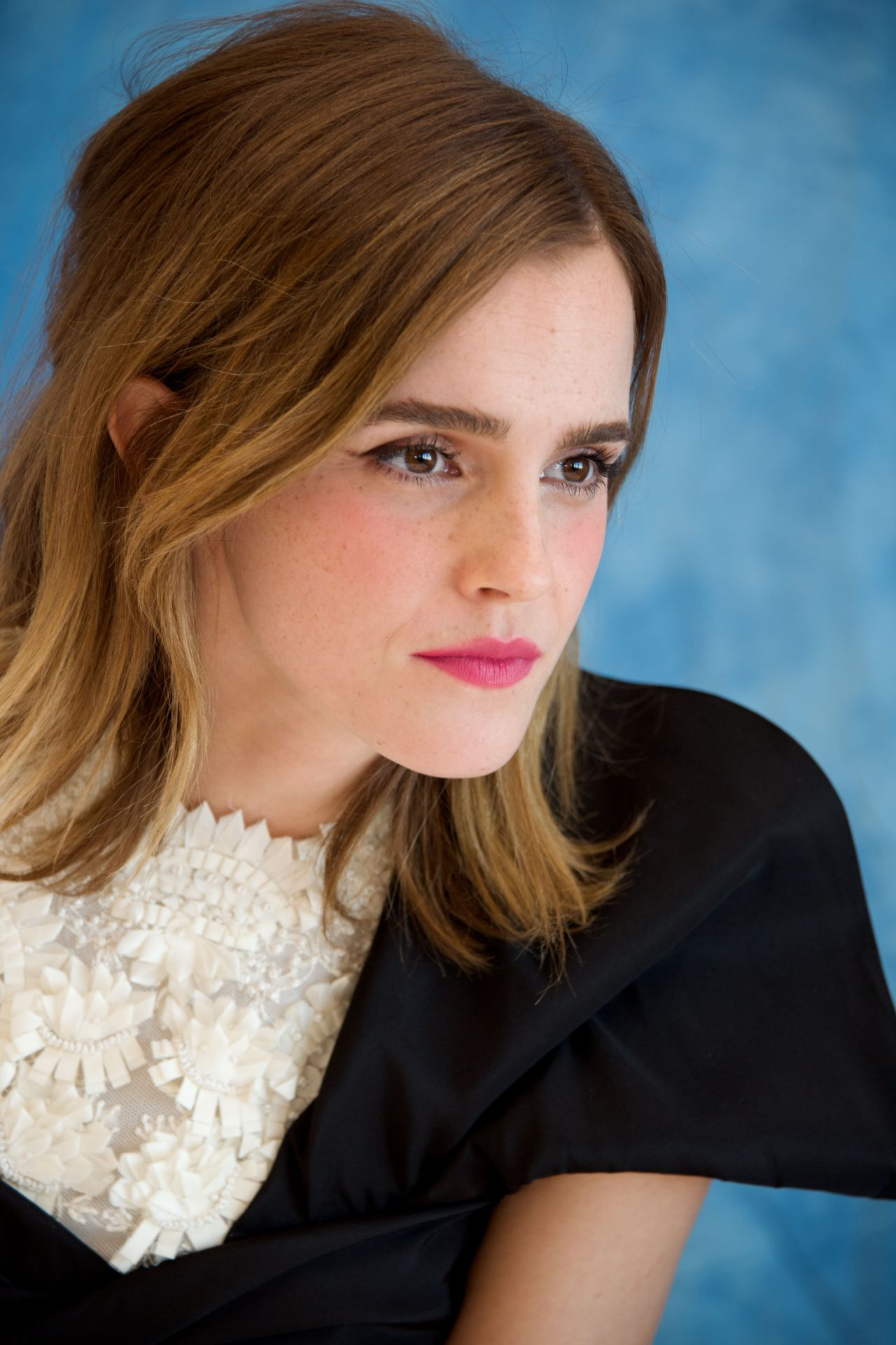 Emma Watson - 'Beauty and the Beast' Press Conference at ... Emma Watson