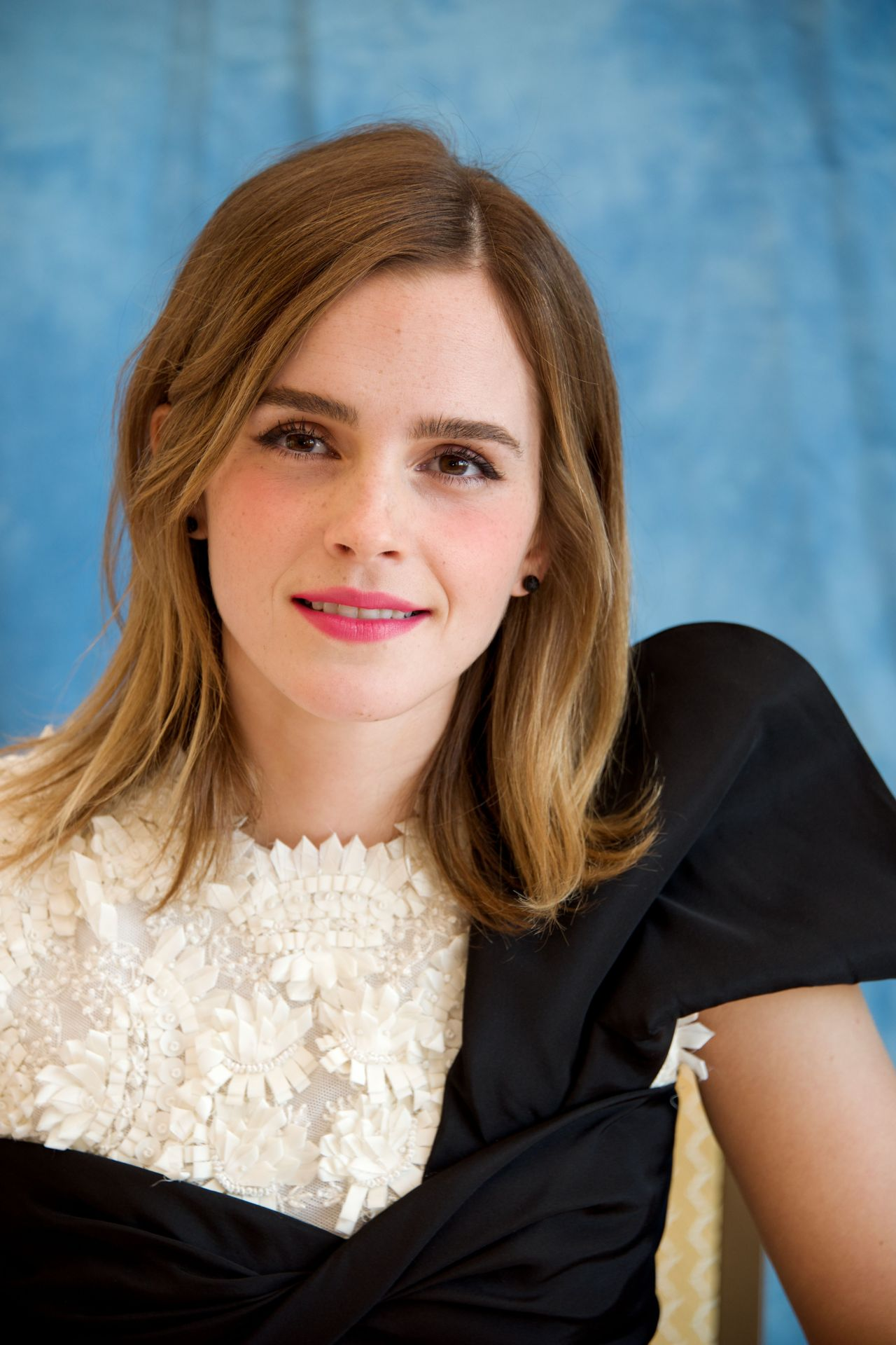 emma-watson-beauty-and-the-beast-press-conference-at-the-montage-hotel-in-beverly-hills-3-5-2017-4.jpg