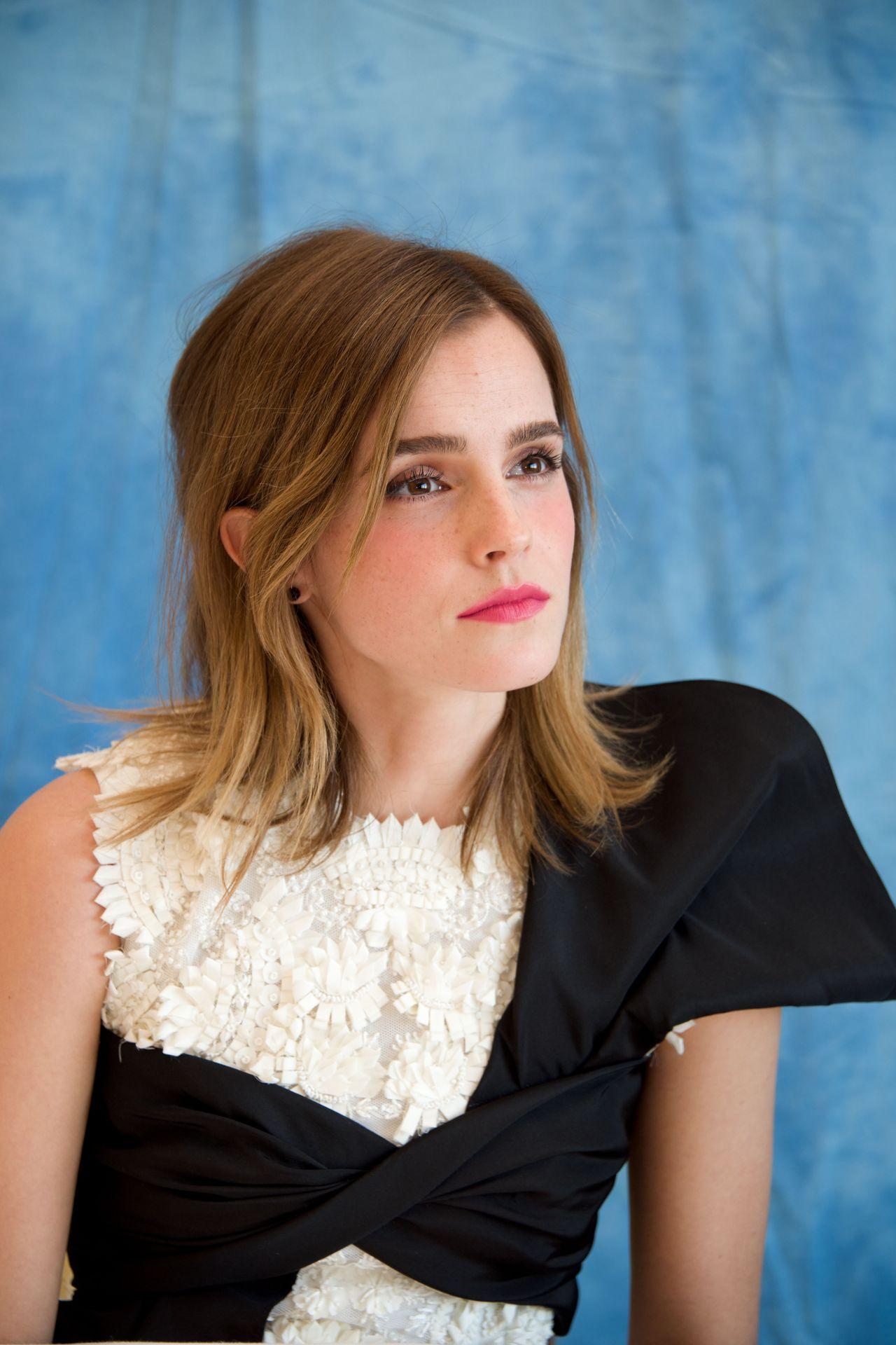 Emma Watson - 'Beauty and the Beast' Press Conference at ... Emma Watson