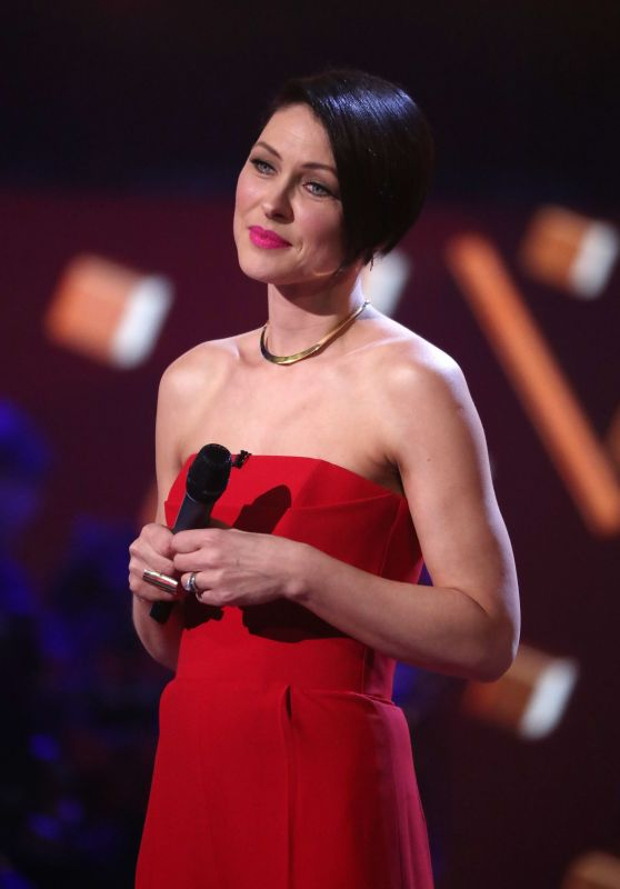 "Emma Willis Hosting ""The Voice"" TV Show in London 3/25/2017"