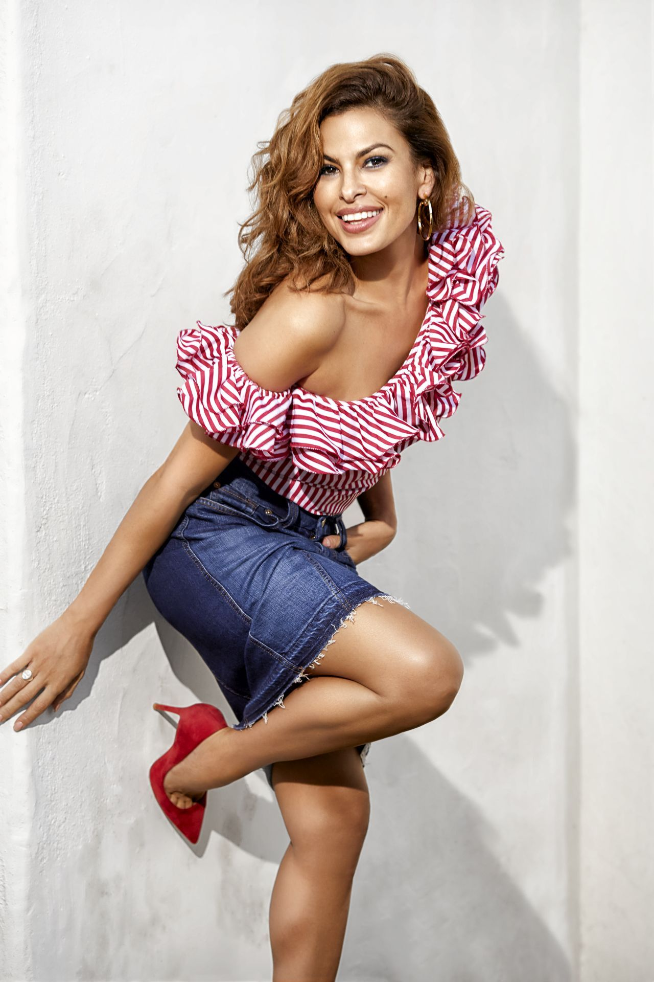 Eva Mendes Photoshoot For Shape 2017